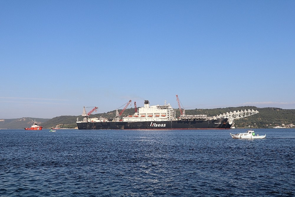 2018/06/giant-ship-pioneeriing-spirit-passed-through-the-strait-of-dardanelles-20180619AW42-1.jpg