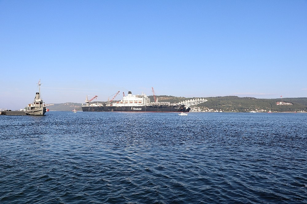 2018/06/giant-ship-pioneeriing-spirit-passed-through-the-strait-of-dardanelles-20180619AW42-8.jpg