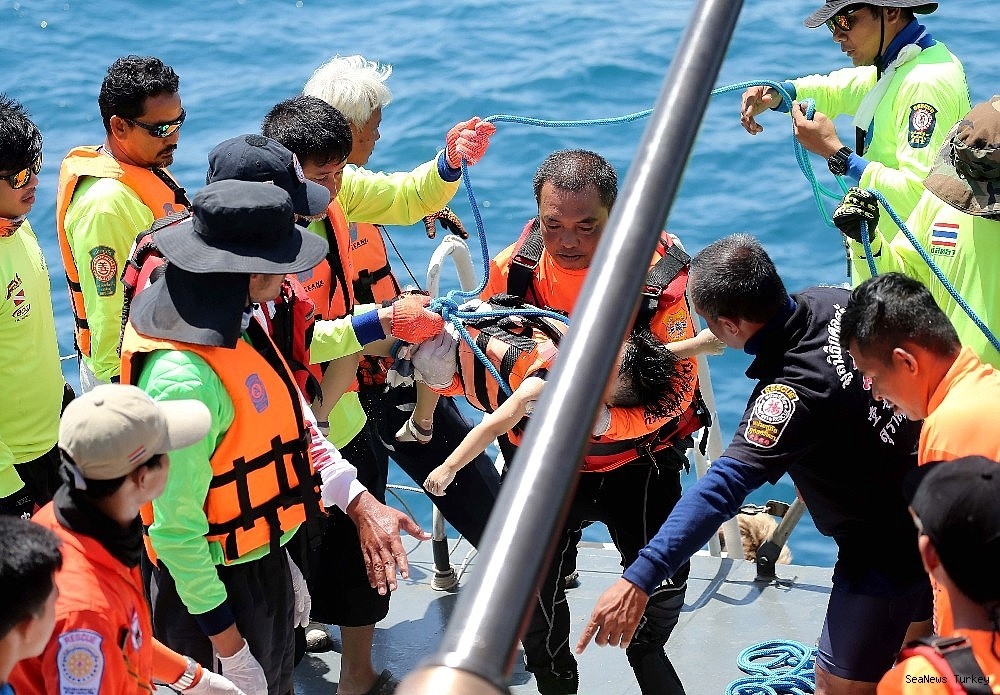 2018/07/41-lost-lives-in-boat-disaster-in-thailands-phuket-island-20180707AW43-2.jpg