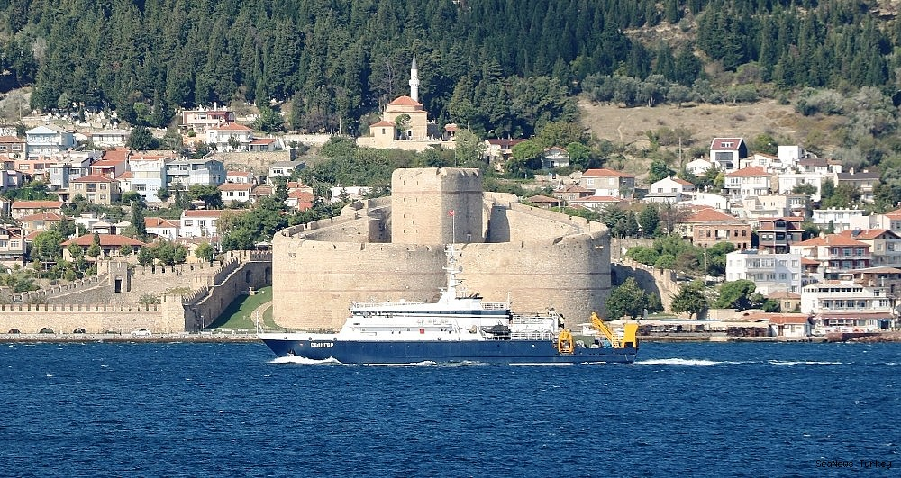 2018/09/russian-search-and-rescue-vessel-passed-through-the-strait-of-canakkale-20180920AW49-3.jpg