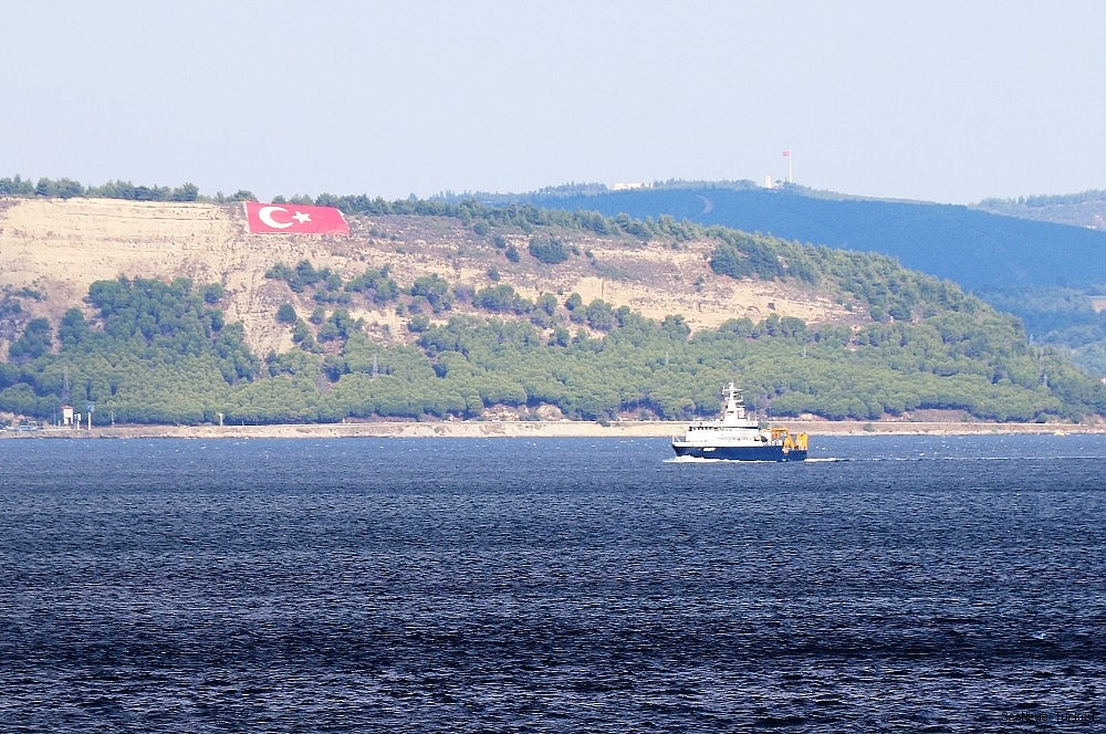 2018/09/russian-search-and-rescue-vessel-passed-through-the-strait-of-canakkale-20180920AW49-5.jpg