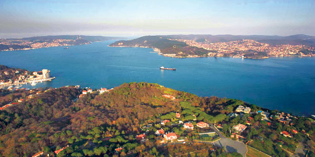 A significant increase in shipping traffic though İstanbul and the Çanakkale straits, coupled with high emission, low quality diesel fuel, increases air pollution.