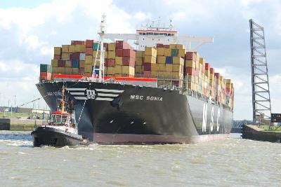 MSC Sonia struck lock near Antwerp