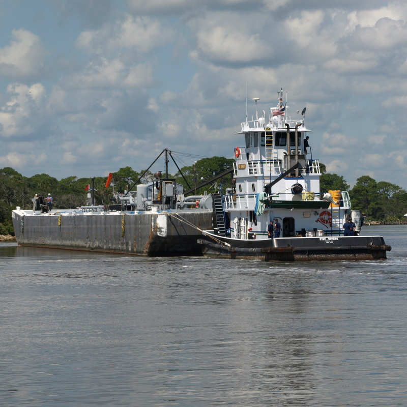 Barge, tug run aground in Intracoastal north of Flagler