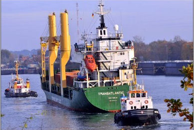 Vessel stranded in Kiel due to serious engine trouble