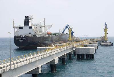 Azerbaijan cuts oil exports via the Baku-Tbilisi-Ceyhan
