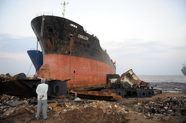 India scrap ship market is squeezed by exchange rates, steel