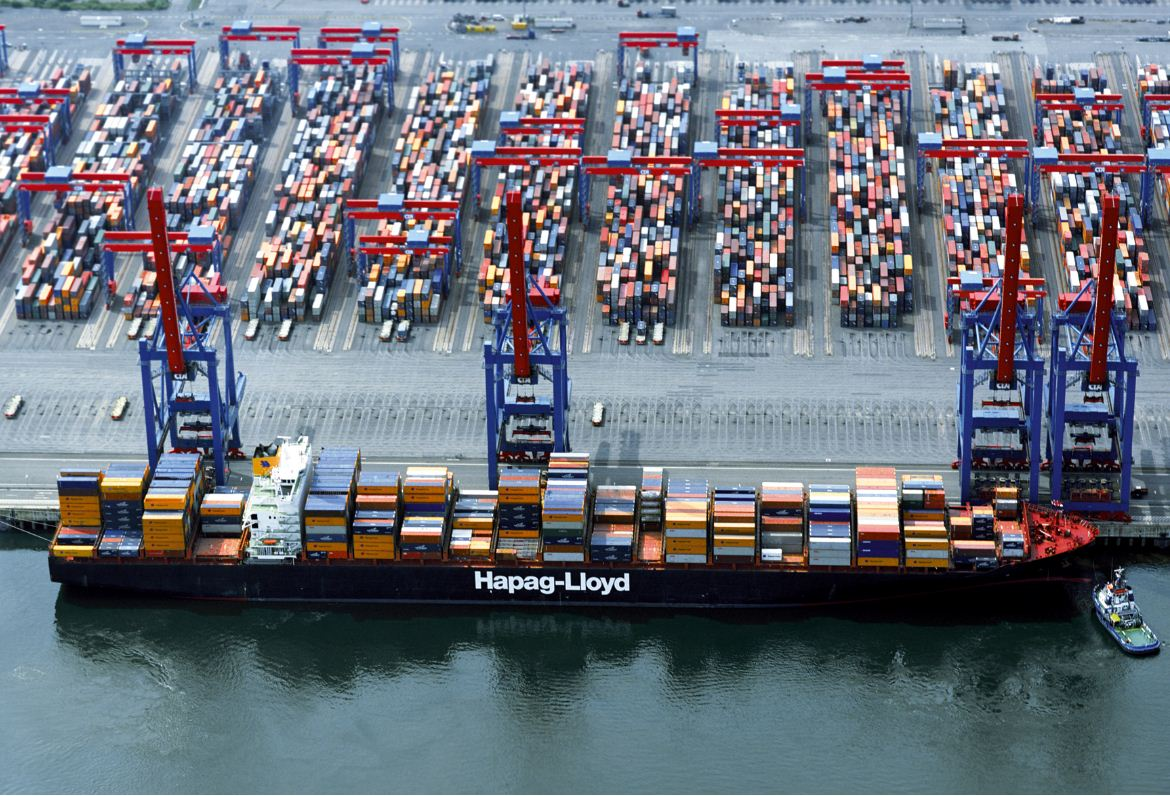 Asia-Europe rate falls 0.2pc to US$836/TEU, off 7pc to USWC