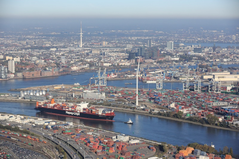 Hamburg loses ground to rivals due to delays caused by dredging of Elbe