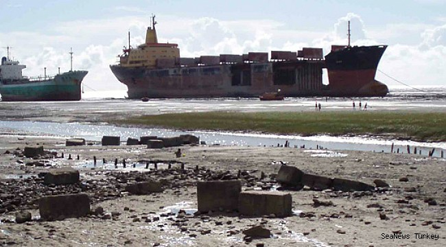 Bangladesh: New law for ship-breaking industry