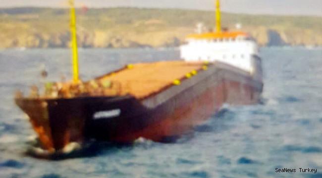 M/V Leonardo buckling, about to break in two in Black Sea, near Kilyos