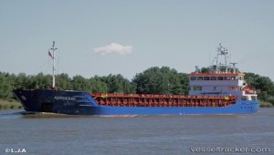 Departured from Turkey, Freighter M/V Norderau grounded on River Trent