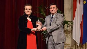 Professor Osman Turan wins European senior researcher award in waterborne transport