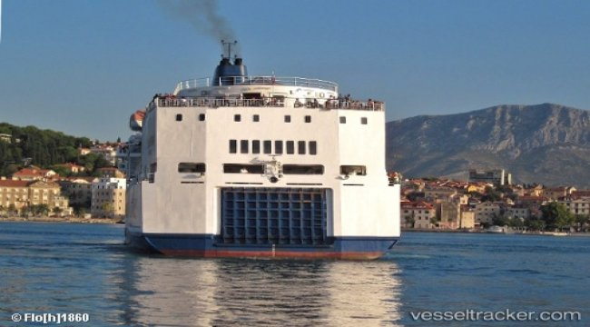 Quark Expeditions signs newbuild contract with Brodosplit
