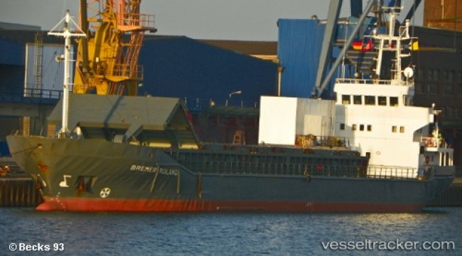 Ship disabled in Bosphorus