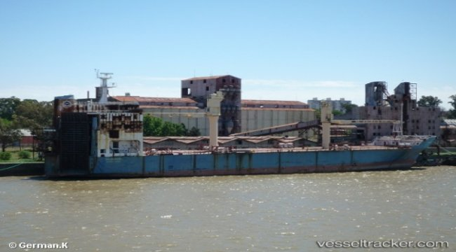 Ships reduce cargoes amid water drop in Argentina's Parana River
