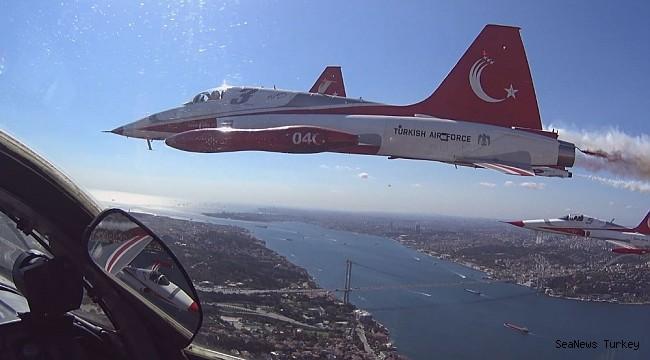 Wonderful Bosporus photos from the cockpit of Turkish Stars