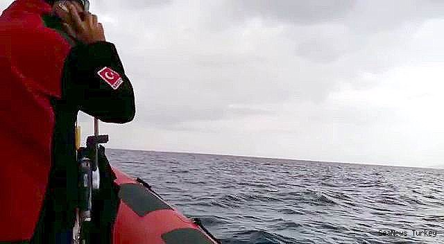 2018/05/missing-4-fishermen-being-searched-from-sea-and-air-in-turkeys-ayvalik-district-20180527AW40-1.jpg