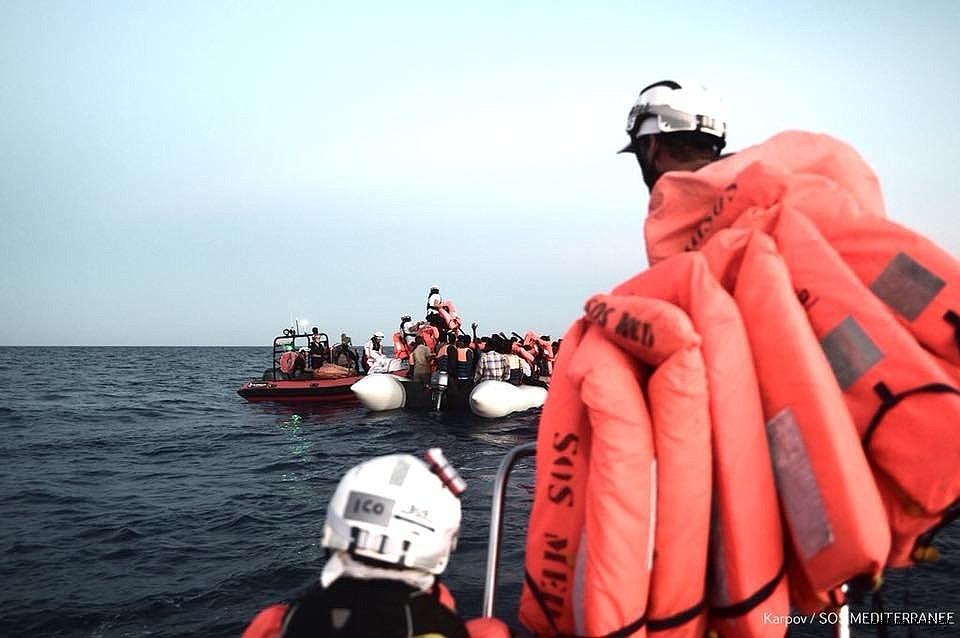 2018/06/italy-closes-her-ports-to-refugee-ship-aquarius-20180611AW41-1.jpg