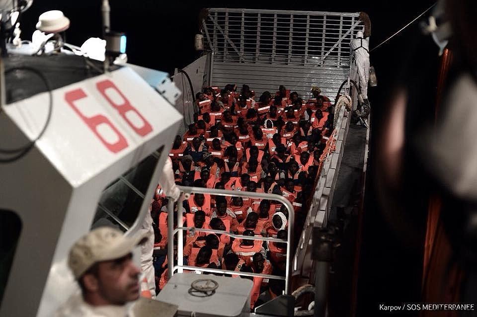 2018/06/italy-closes-her-ports-to-refugee-ship-aquarius-20180611AW41-3.jpg