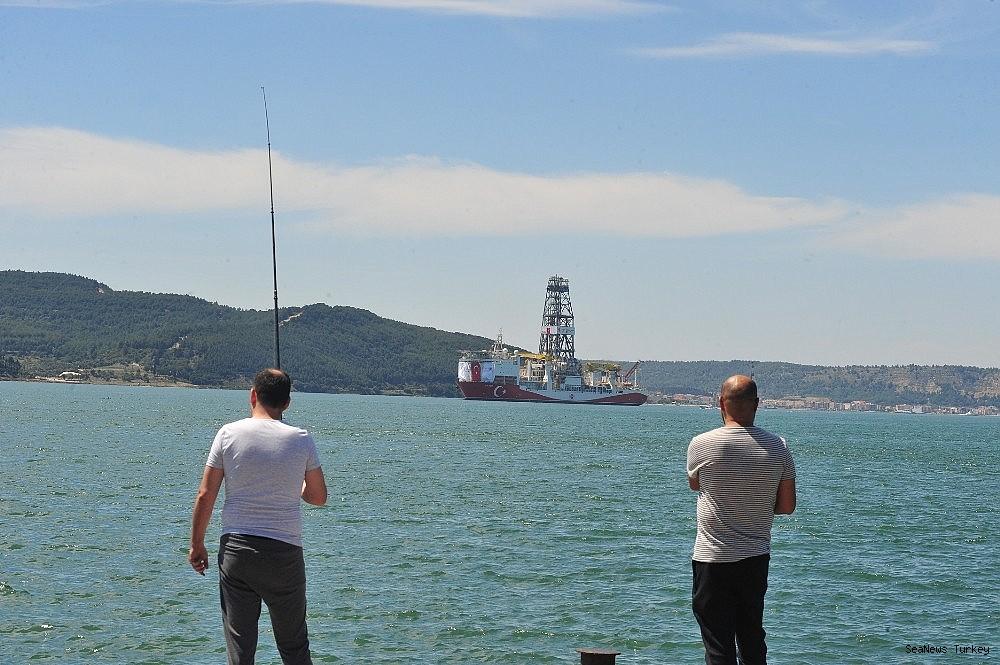 2018/06/turkeys-first-active-drilling-ship-fatih-on-her-way-to-mediterranean-20180601AW40-3.jpg