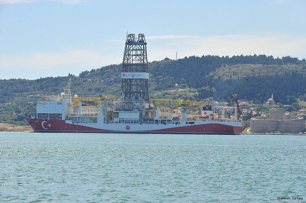 2018/06/turkeys-first-active-drilling-ship-fatih-on-her-way-to-mediterranean-20180601AW40-7.jpg