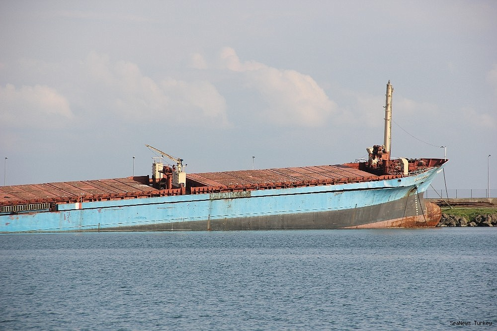 2018/11/ship-aground-in-samsin-will-be-sent-to-aliaga-for-recycling-20181113AW54-2.jpg