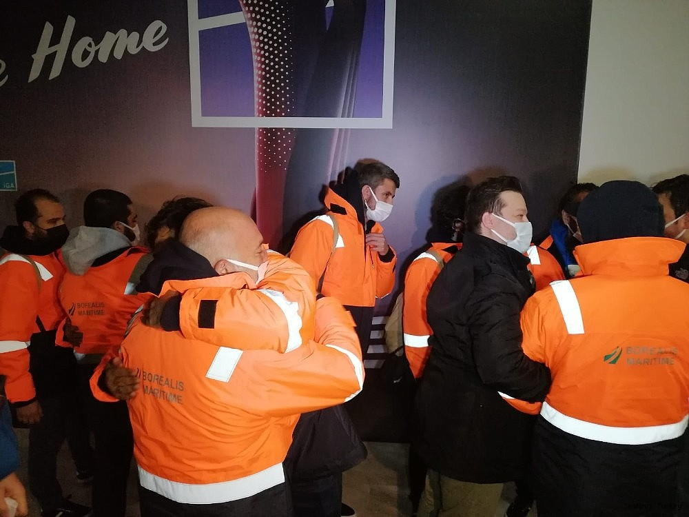 2021/02/15-turkish-sailors-of-mv-mozart-rescued-from-pirates-returned-home-20210214AW24-6.jpg