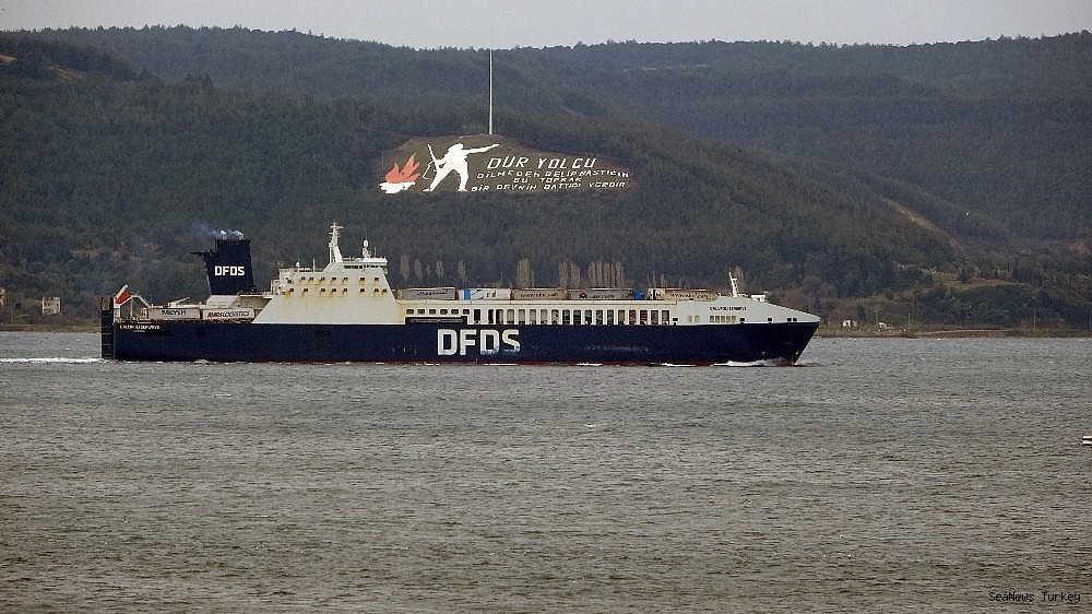 2021/02/gallipoli-seaways-which-was-on-fire-near-canakkale-is-returning-to-istanbul-20210213AW24-1.jpg