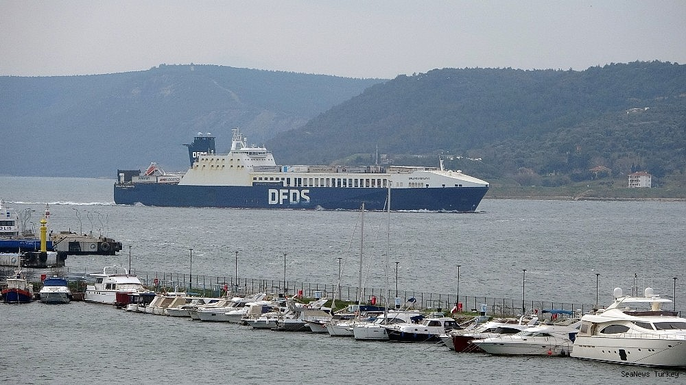 2021/02/gallipoli-seaways-which-was-on-fire-near-canakkale-is-returning-to-istanbul-20210213AW24-4.jpg