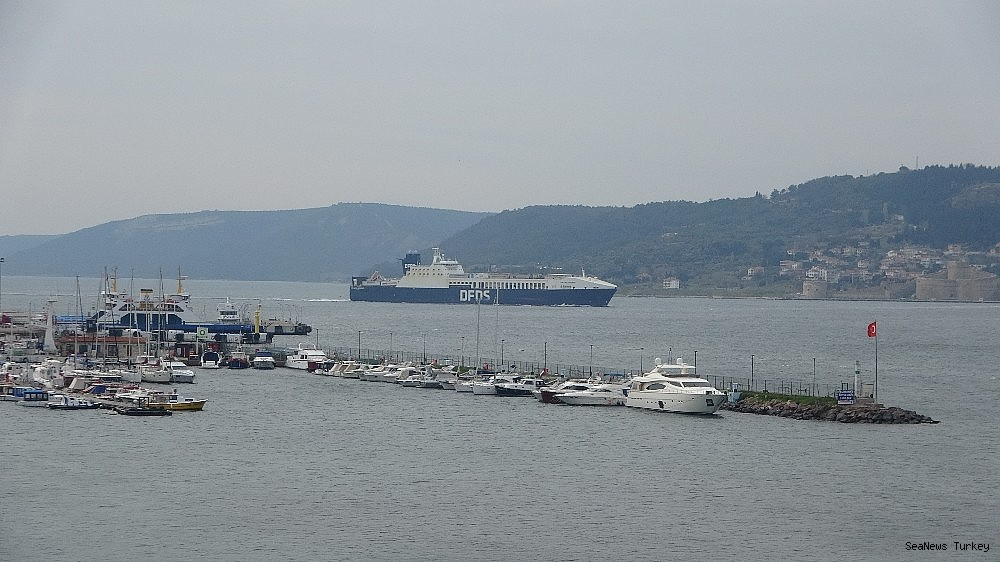 2021/02/gallipoli-seaways-which-was-on-fire-near-canakkale-is-returning-to-istanbul-20210213AW24-6.jpg