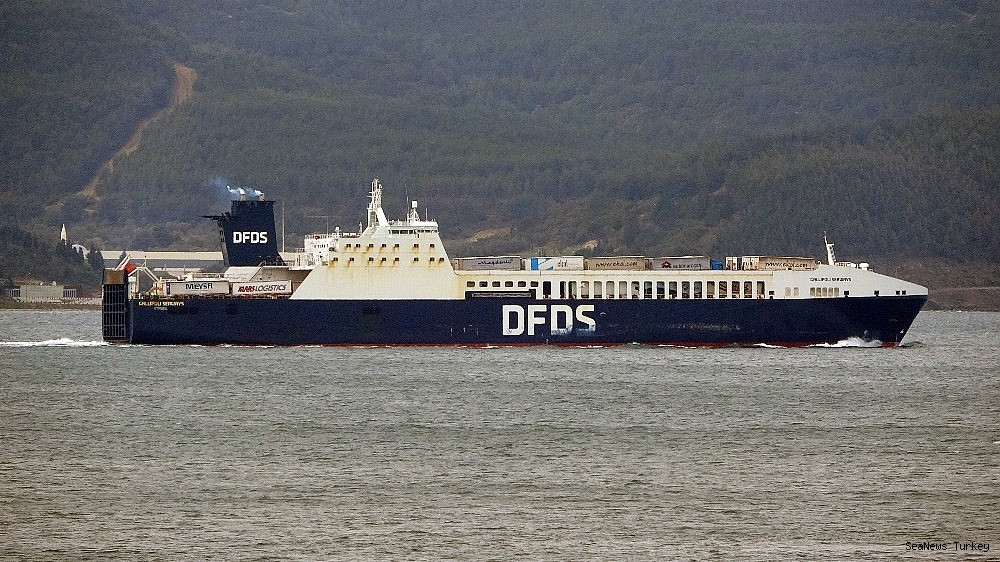 2021/02/gallipoli-seaways-which-was-on-fire-near-canakkale-is-returning-to-istanbul-20210213AW24-7.jpg