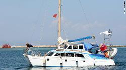 Jewish boat heads toward Gaza with aid