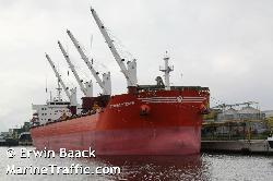 Indian Navy caught fleeing Greece bulk carrier