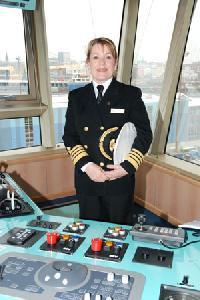 First female captain at Cunard ship