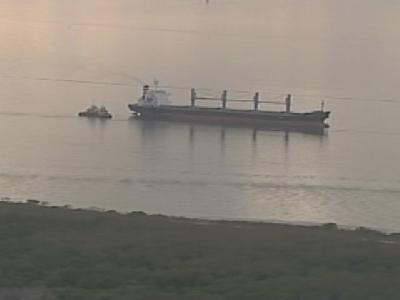 Bulk carrier 'Pollux' loaded with fertilizires aground in Florida