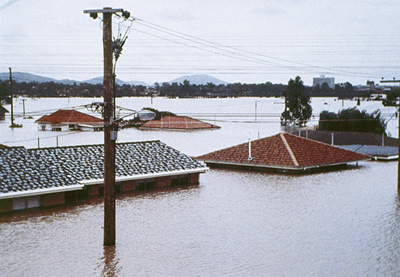 22 dead as worst floods for 50 years in Australia (VIDEO)