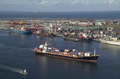 Shipping resumes at Port of Brisbane