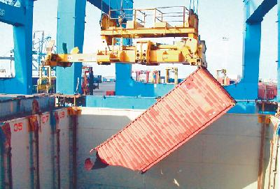 Weighing containers - full or empty - on the way