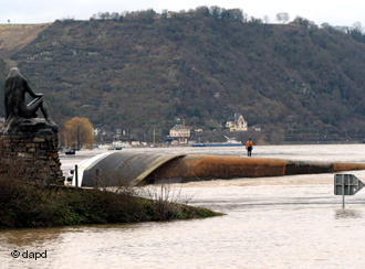 Blocked Rhine causes logistical headaches