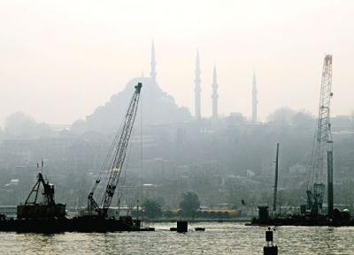 No bridging fight over Istanbul's Golden Horn