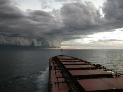 "Dry bulk market closing in towards ""crisis"" levels"
