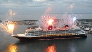 VIDEO: Did Disney Dream Nearly Hit Royal Caribbean Ship?