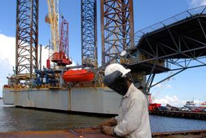 Diversification Keeps Gulf Vessel Builders Afloat
