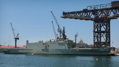 Australia: Navy ships 'treated as 2nd class'