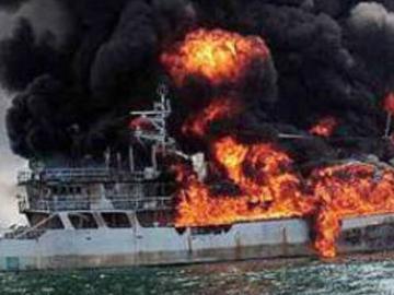 Fatal fire on ship in Baku Bay