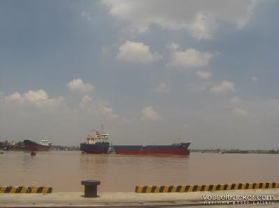 Vessel and crew abandoned by Vietnam government
