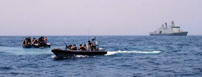 Danish warship catches pirates, but releases them in Somalia