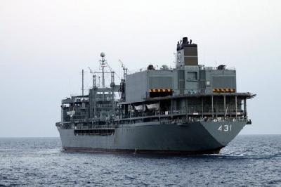 Egypt to let Iranian warships through Suez Canal