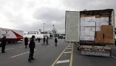 Turkish evacuation ship anchors off Crete